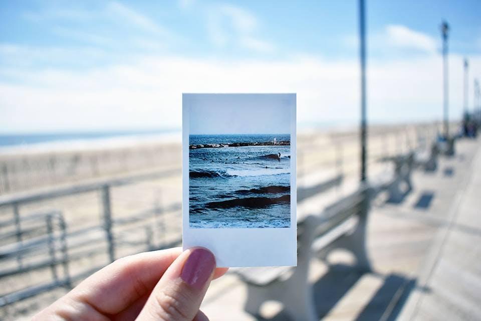 hamptons beach bag camera