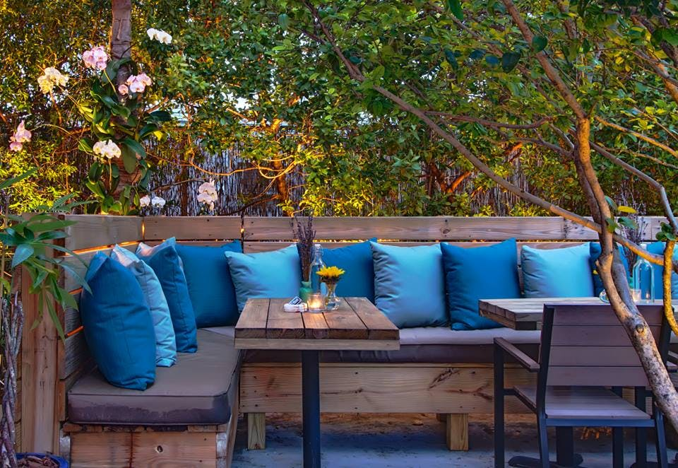 mina s mediterraneo miami patio restaurants