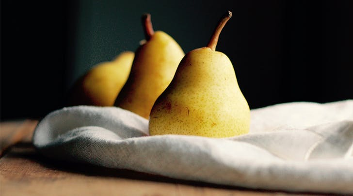 Why You Should Eat a Pear Before Drinking a Glass of Wine