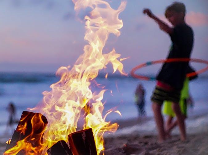 summer kids campfire1