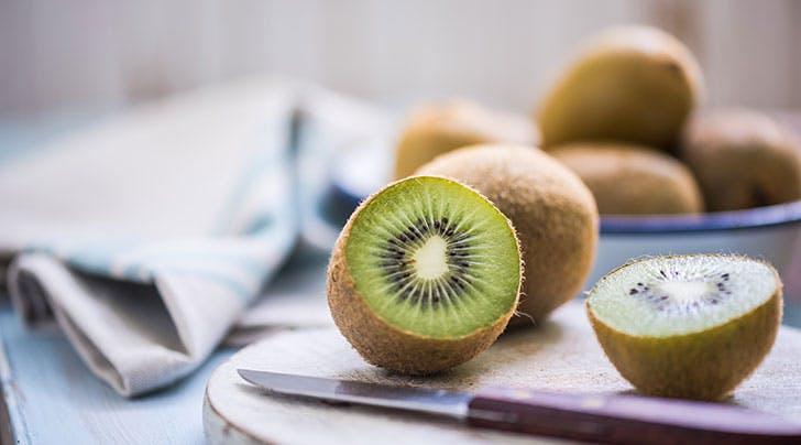 Can I Eat a Kiwi Like an Apple?