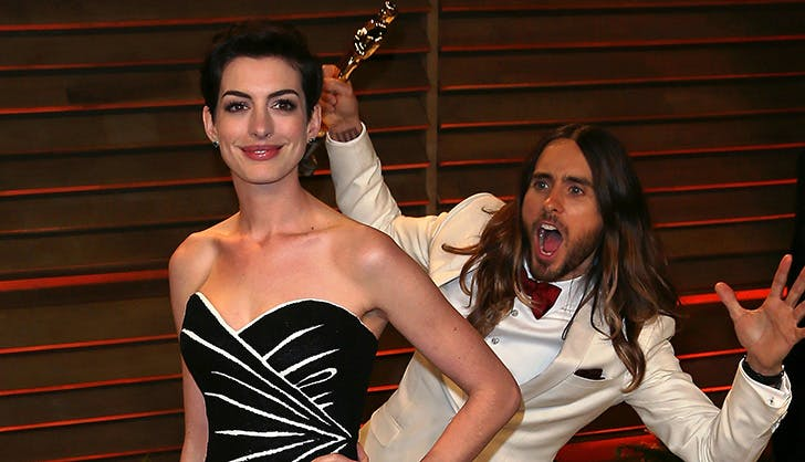 Anne Hathaway Jared Leto Photobomb