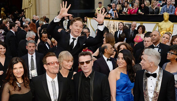 Benedict Cumberbatch Photobomb