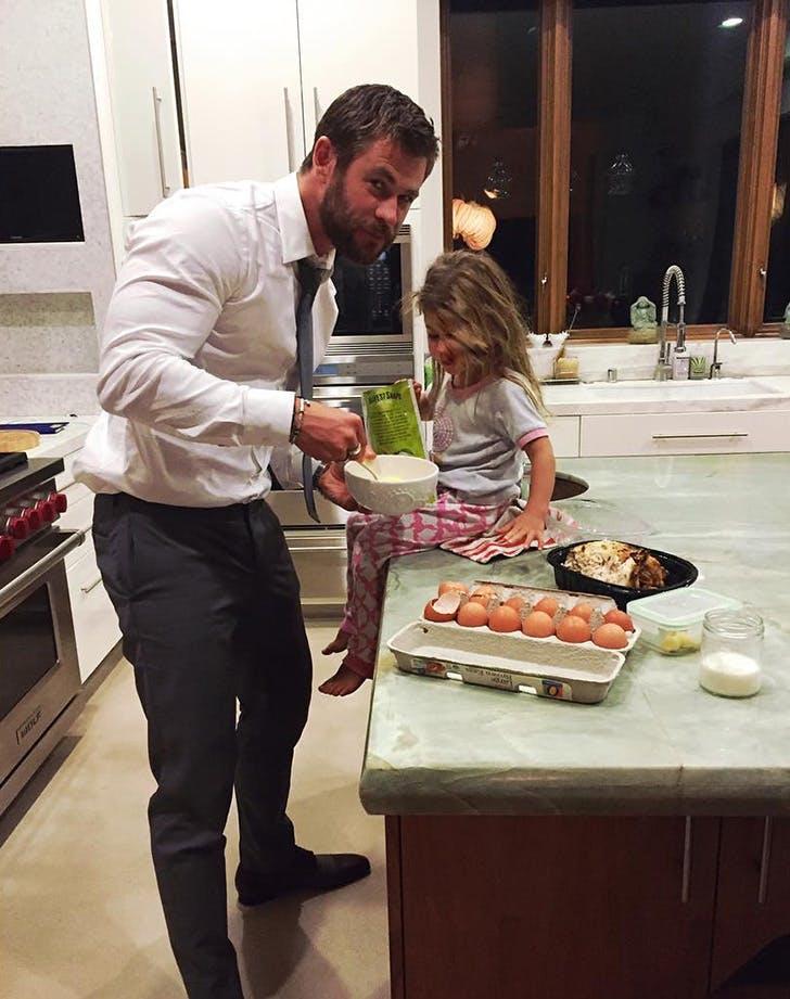 Chris Hemsworth daddy daughter