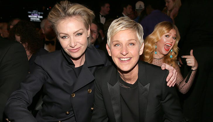 Ellen Portia and Kelly Photobomb