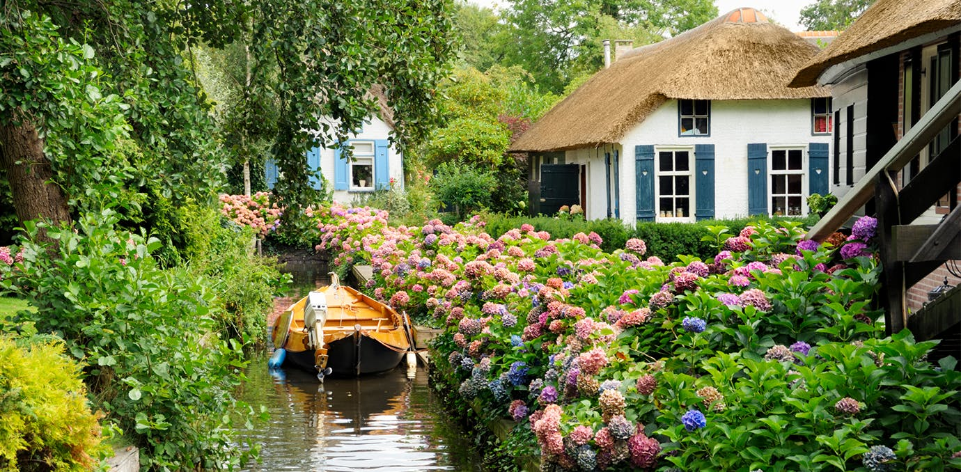 Giethoorn Holland luxury affordable vacations