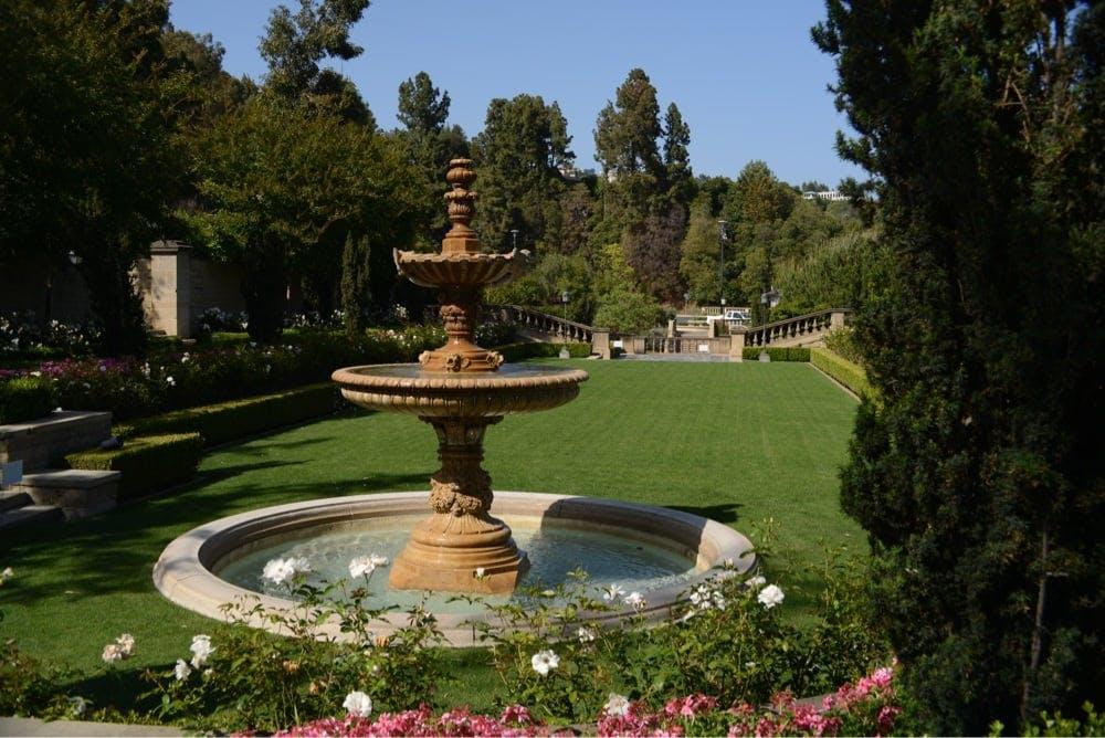 LA picnic spots greystone mansion