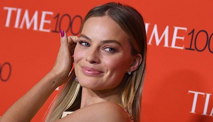 Margot Robbie superior brow game