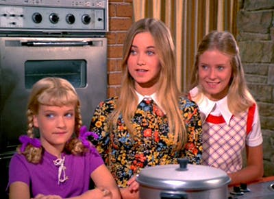 brady bunch girls sibling order CAT