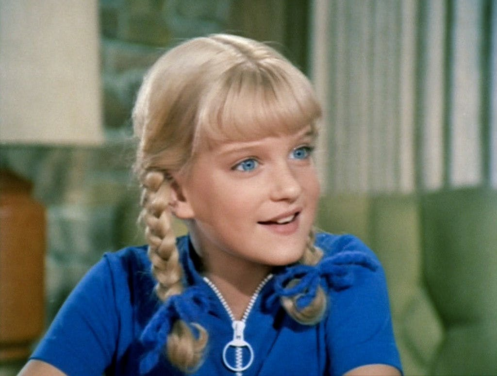 cindy brady bunch girls sibling order