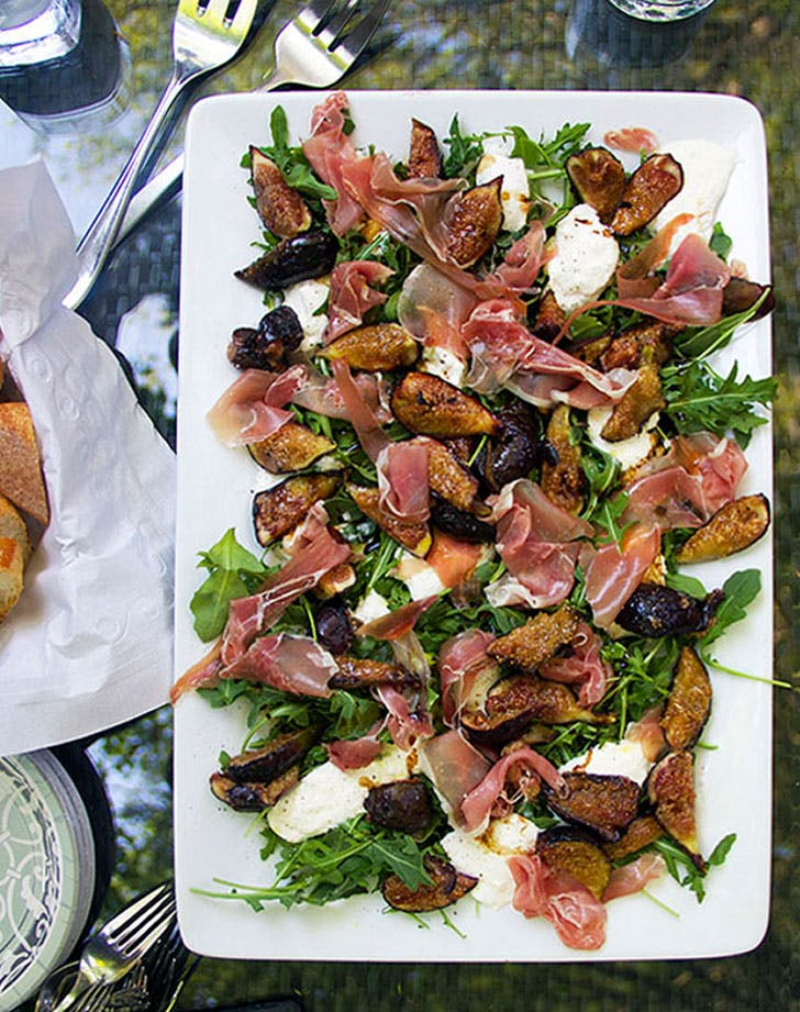 grilled figs with prosciutto and burrata