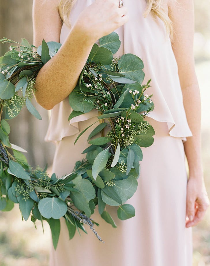 hoop bouquet wedding trend6