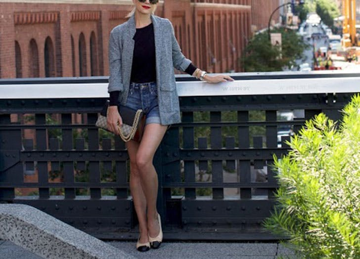 how to wear jean shorts blazer