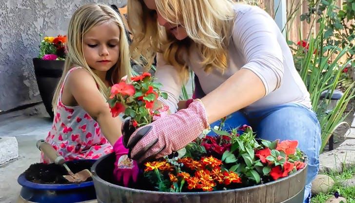 kids gardening1