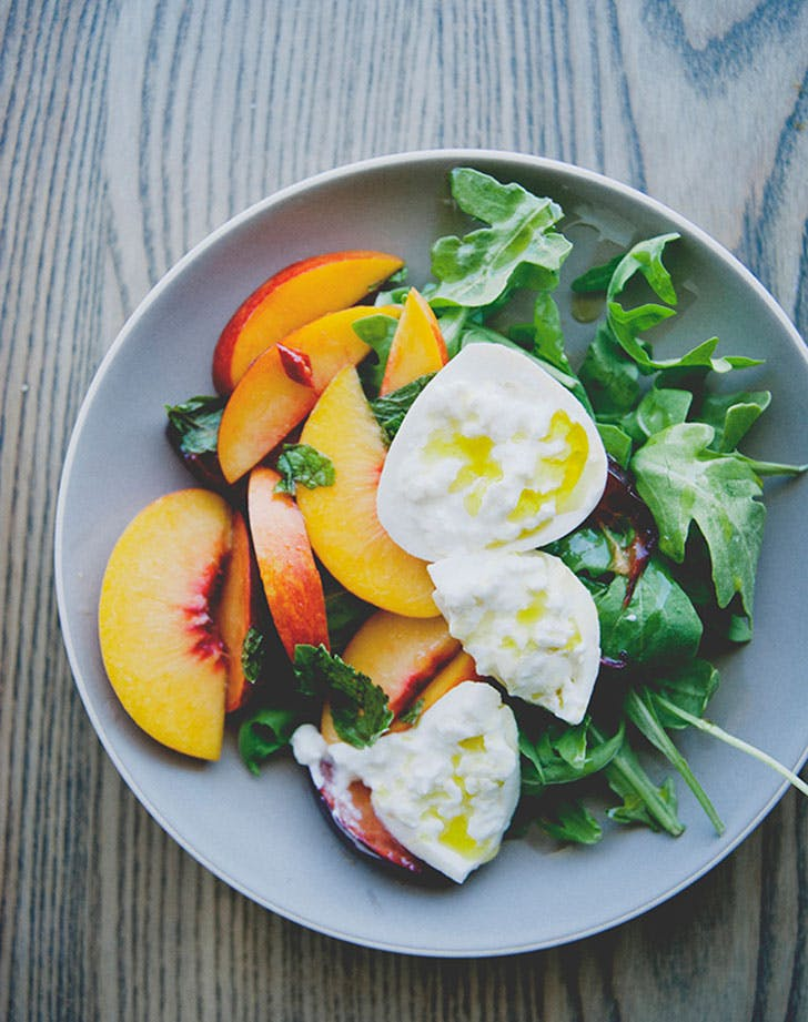 no cook summer dinners stone fruit burrata