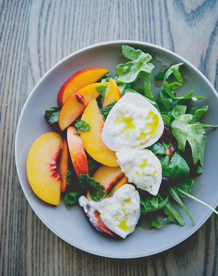 no cook summer dinners stone fruit burrata