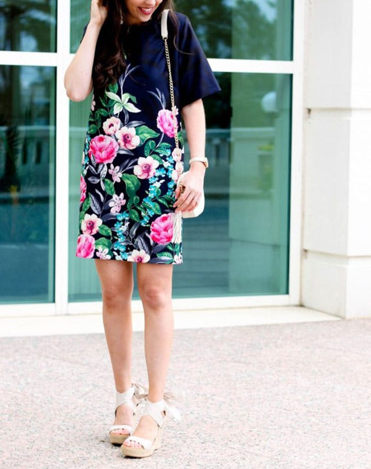 slimming summer outfits shift dress