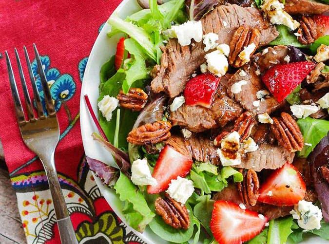 summer dinner under 500 calories flank steak salad