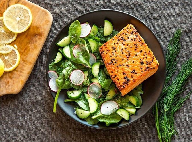 summer dinner under 500 calories steamed salmon