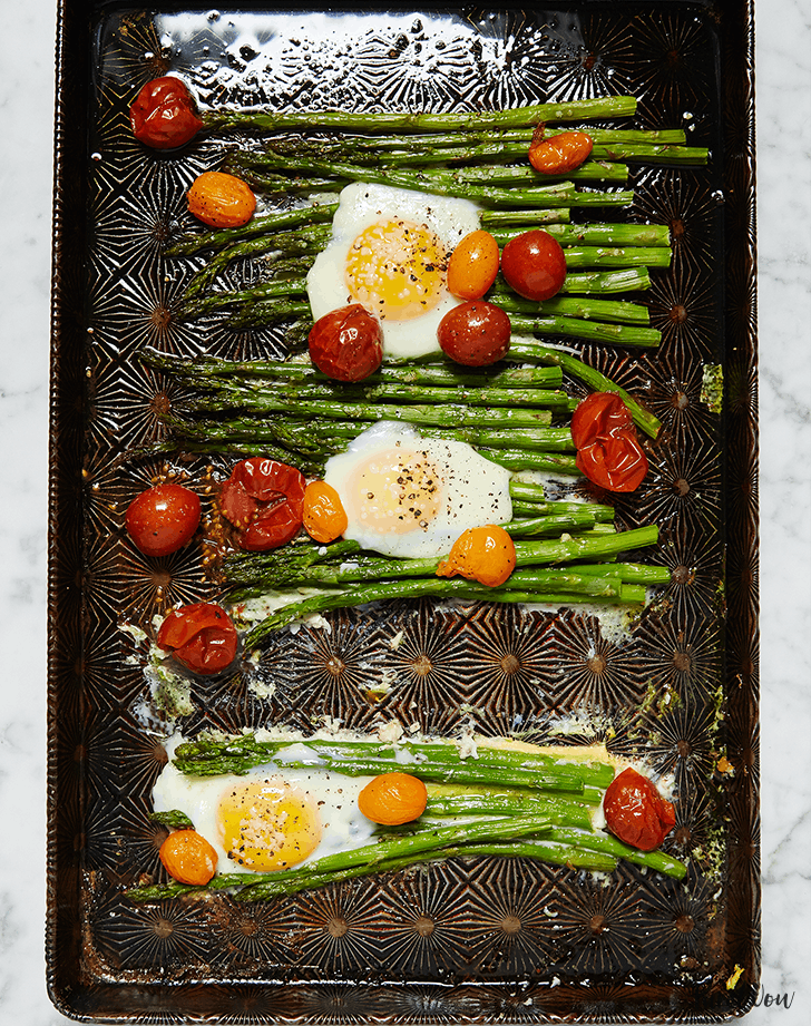 5 ingredient summer dinner eggs asparagus