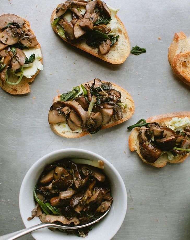Ramp Mushroom Toast