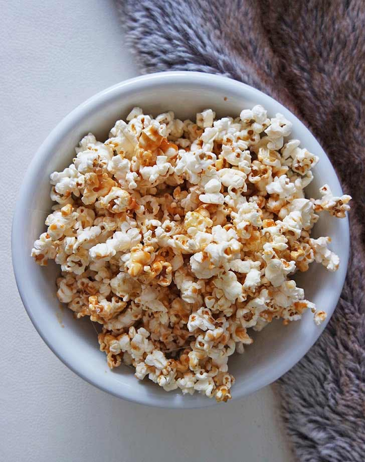 bowl of popcorn 921