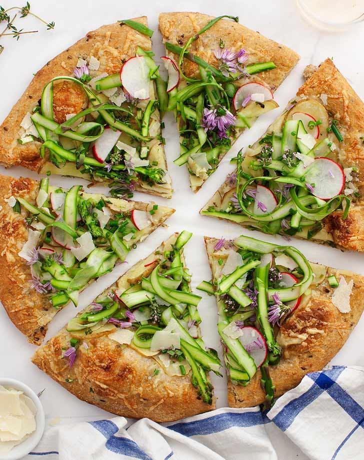 farmers market asparagus pizza 921