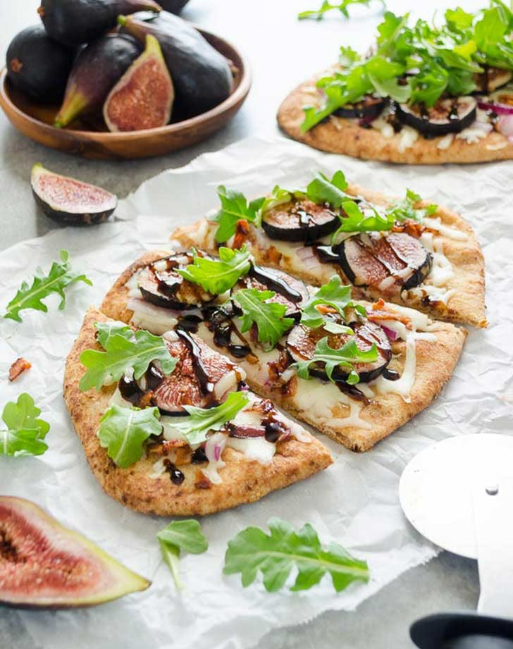 grilled fig bacon arugula flatbread pizza4 921