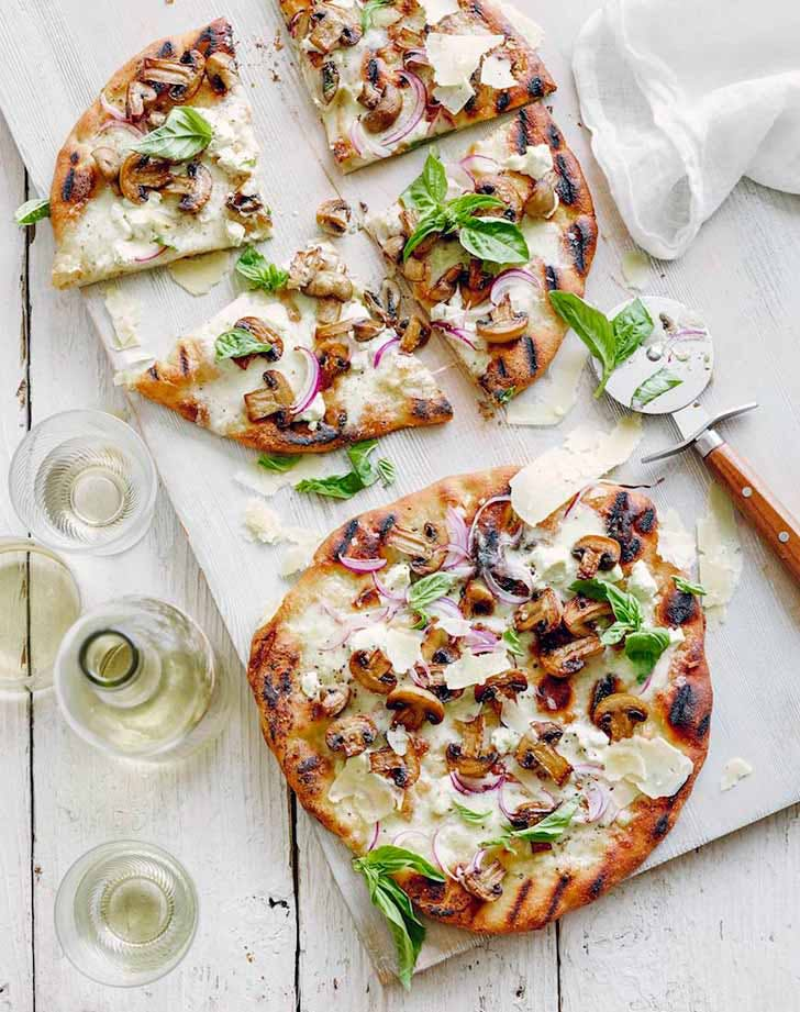 grilled white pizza 921