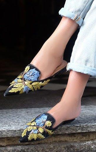 slides maximalist shoe trends
