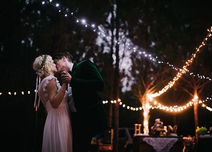 wedding dance kiss lights night LIST