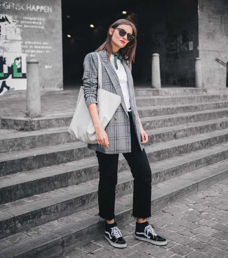 80s blazers fall fashion trends to wear now