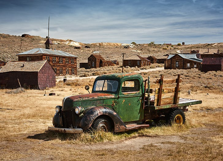 Abandoned truck in ghost town1