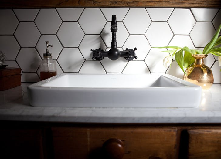 LA destress home clean sink LIST