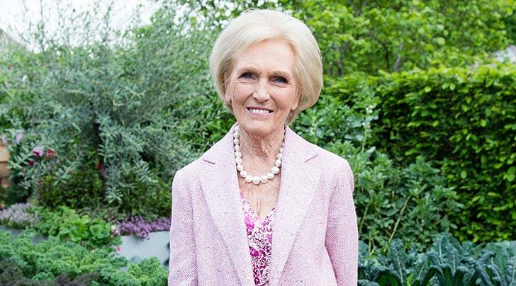 Bezzas Baaack! Mary Berry Named Host of New Series 'Britains Best Cook