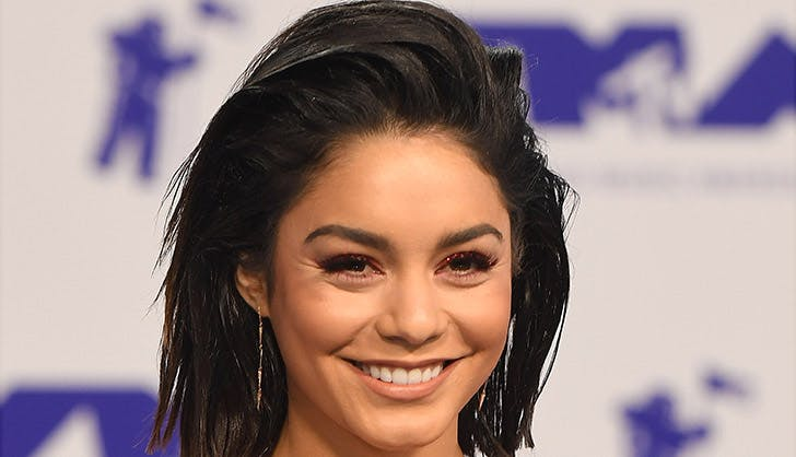 Vanessa Hudgens Colorful Eyeshadow 2017 VMAs