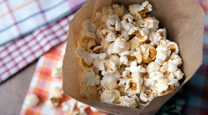 How to Make DIY Microwave Popcorn in 3 Minutes
