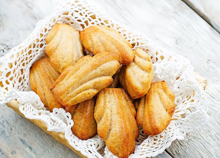 french desserts medeleine