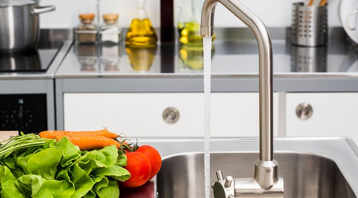 How to Clean Your Kitchen Faucet Like a Champ