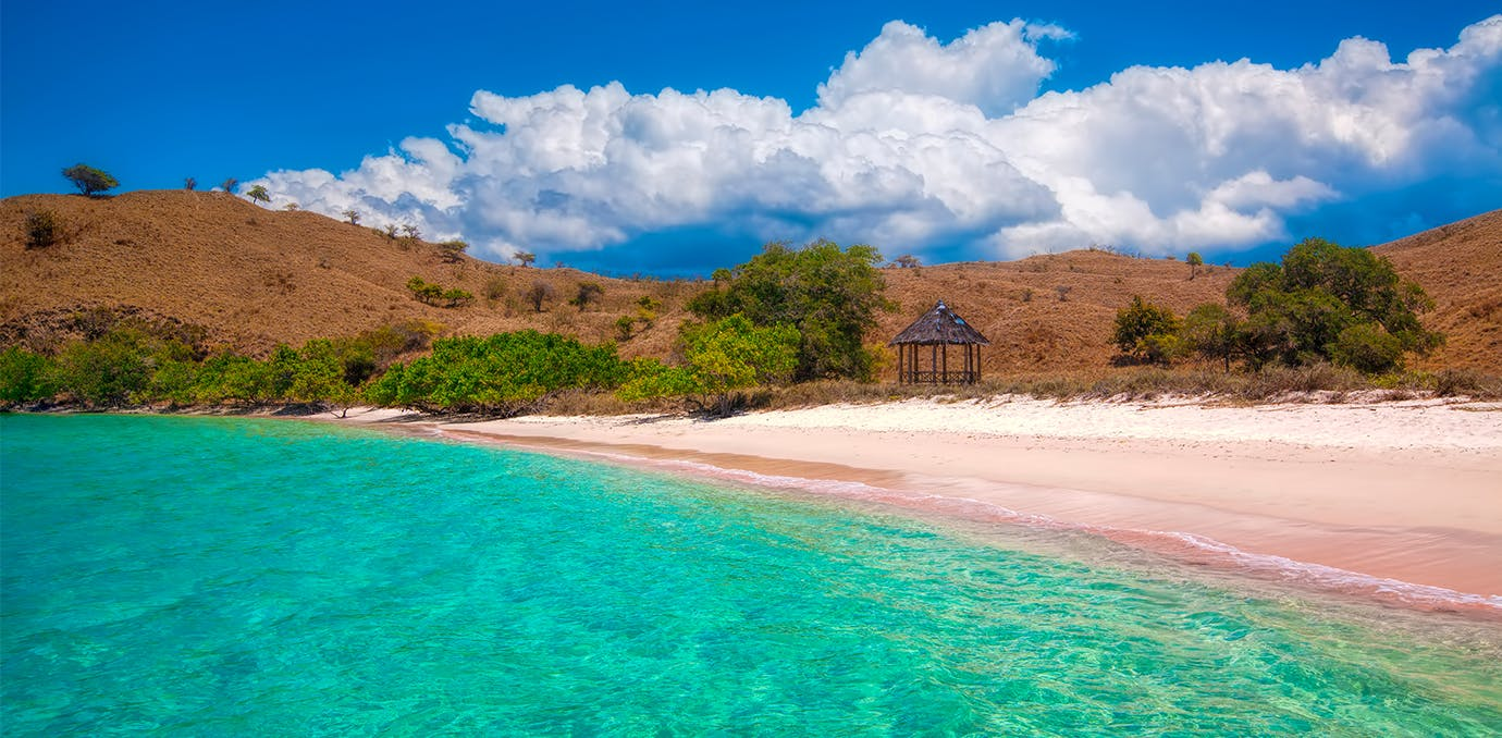 komodo indonesia pink sand beach psd