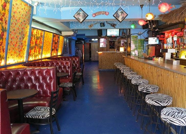 ottos shrunken head bar NY