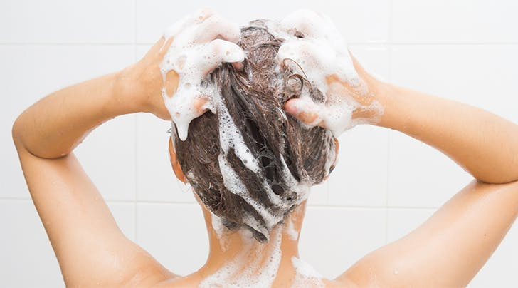 Dry Shampoo Lovers: You Should Be Exfoliating Your Scalp (Here's How)