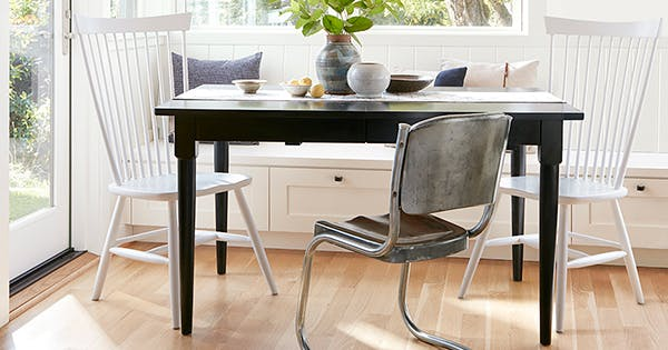 https://purewows3.imgix.net/images/articles/2017_08/space_saving_dining_table_600.jpg?auto=format,compress&cs=strip