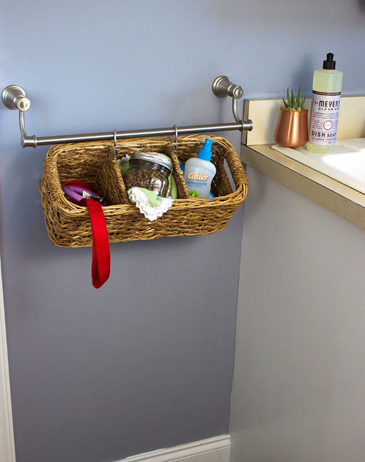 10 Clever New Ways to Use a Towel Bar