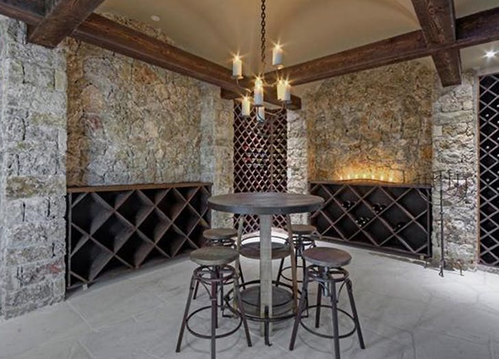 wine lover home 7