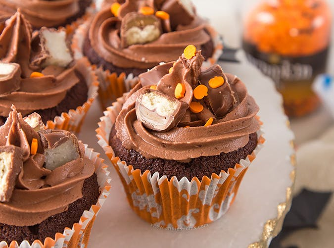 Candy Bar Halloween Cupcakes