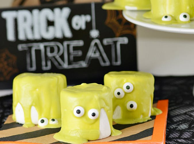 Easy No Bake Halloween Monster Marshamallows