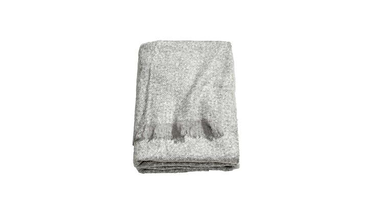 H M cozy blanket