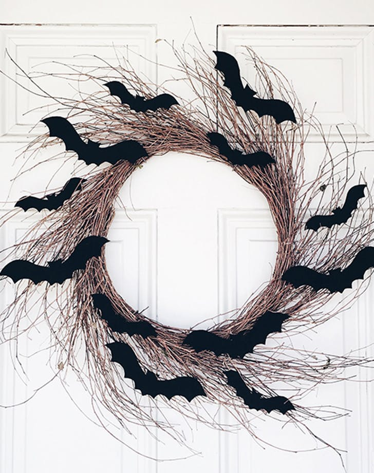 Halloweendecorideas batwreath