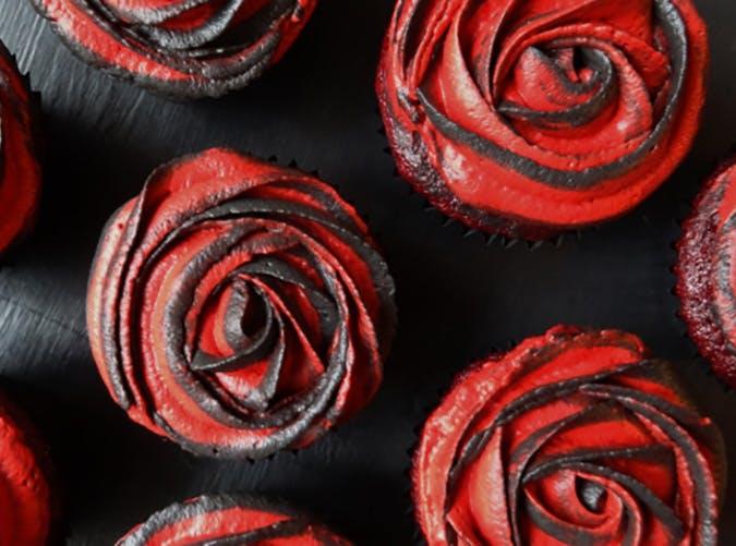Rose Halloween cupcakes1